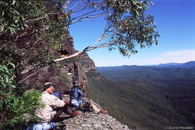 Lunch break on the cliff track
